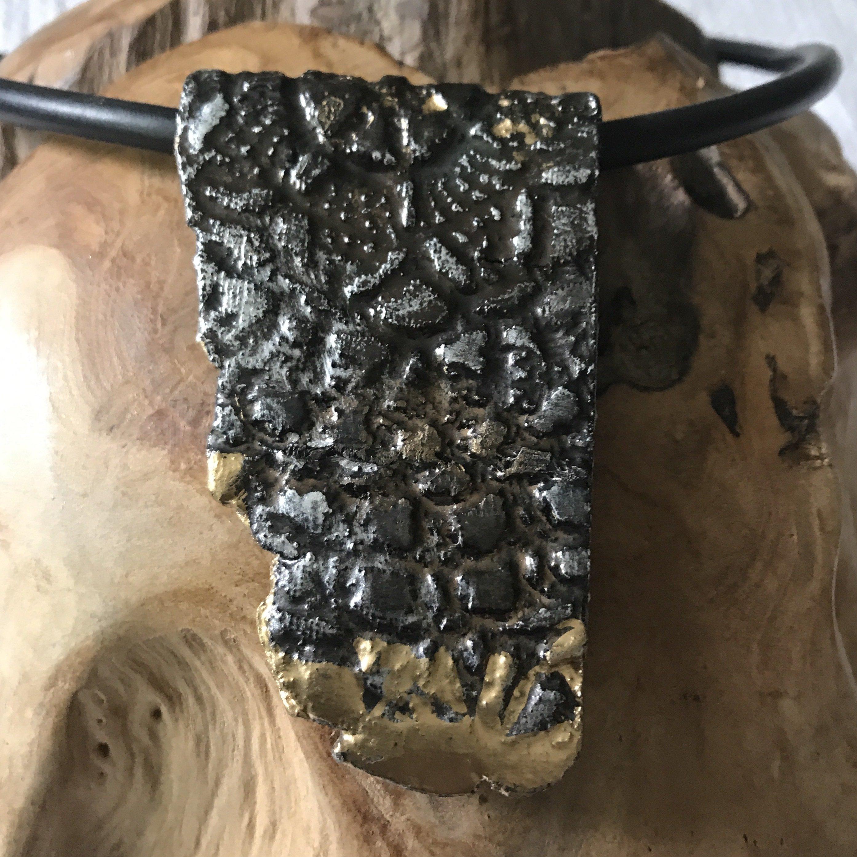 Keramikanhänger schwarz/silber/gold - beidseitig tragbar