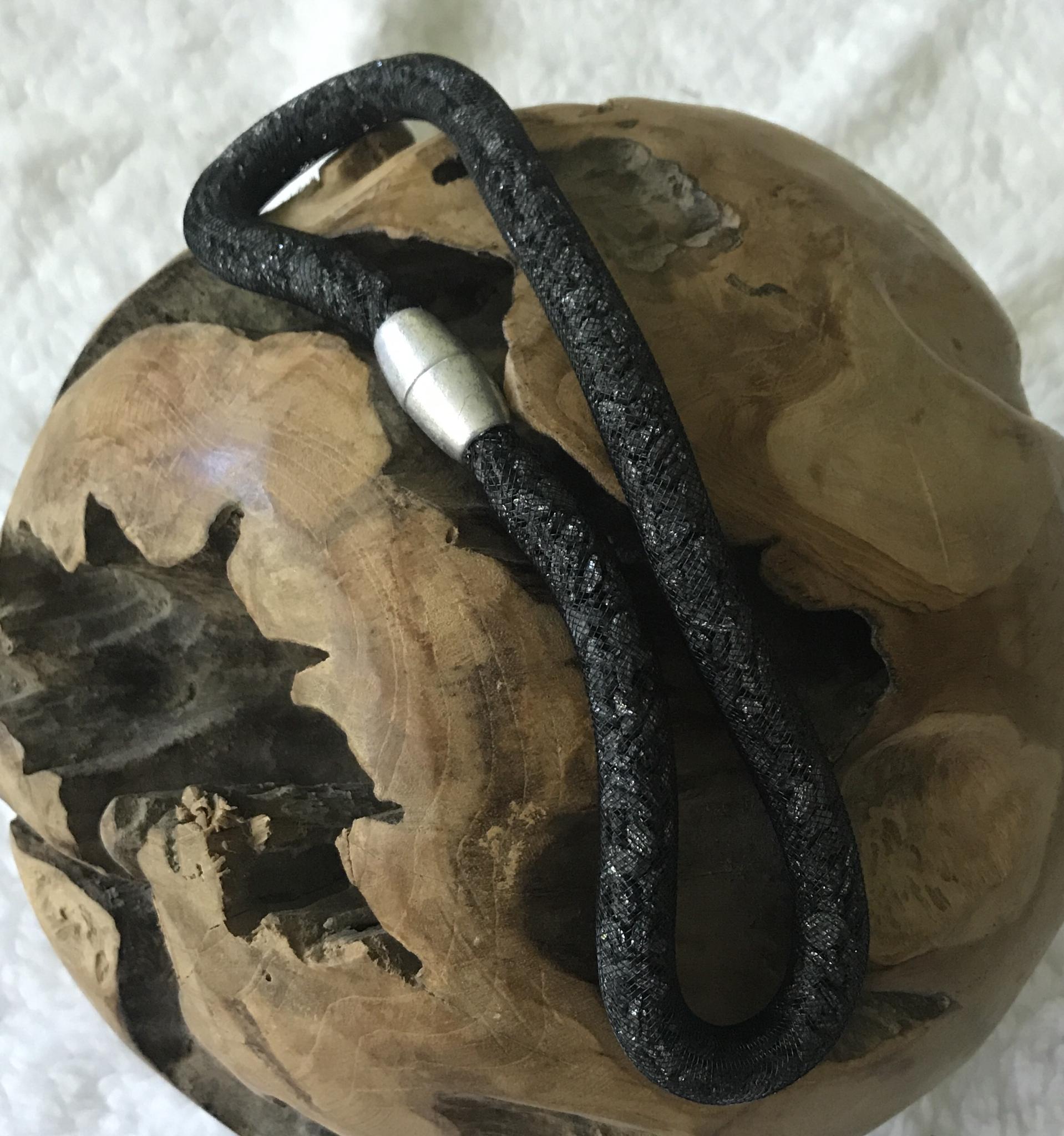 Meshkette mit Schieferbruch glänzend - ca. 61,5 cm lang