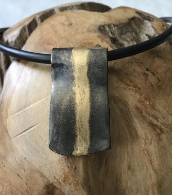 Anhänger Keramik mit Golddetails
