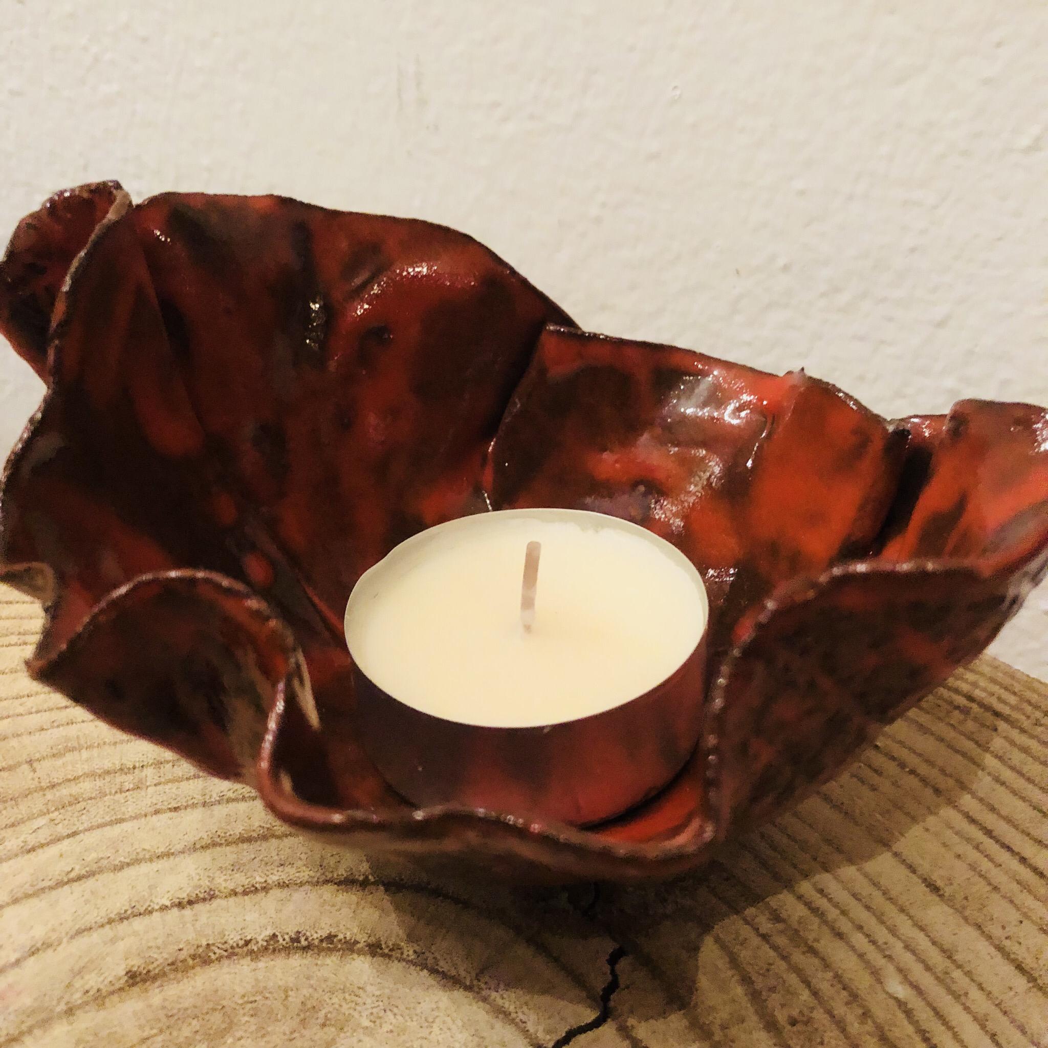 Schale aus Ton, rot glasiert 00284