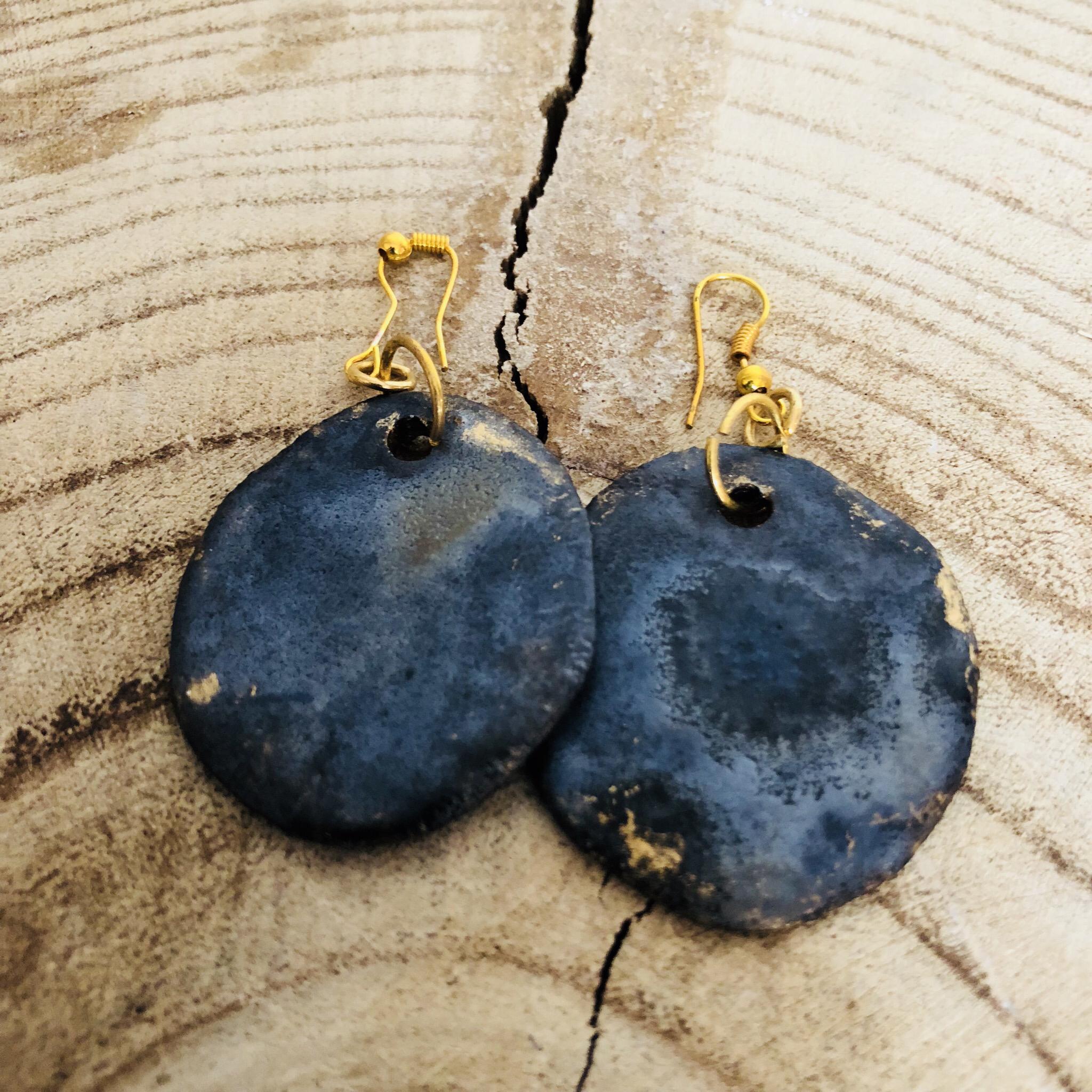 Ohrhänger Keramik glasiert mit Golddetail - beidseitig tragbar