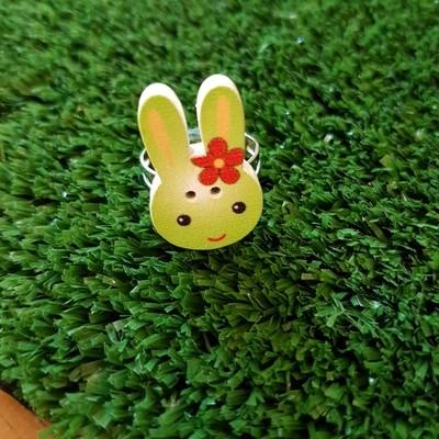 Green rabbit ring