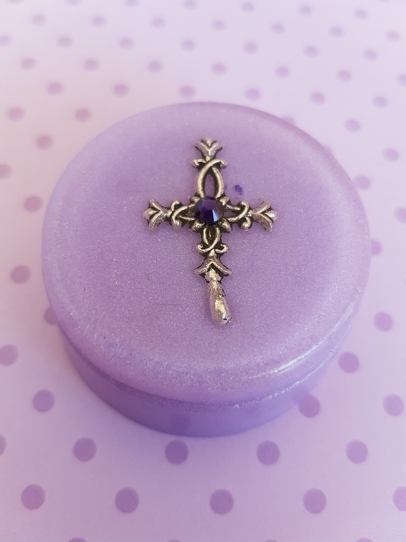 Christening box lilac small round