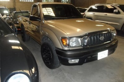 ​LOTE: 762 / PICK UP MARCA: TOYOTA. MODELO: TACOMA. AÑO: 2004 COLOR: DORADO