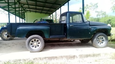 LOTE: 764 / PICK UP MARCA: INTERNATIONAL. MODELO: ALL WHEEL. AÑO: 1965 COLOR: VERDE