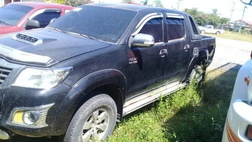 LOTE: 788 / PICK UP MARCA: TOYOTA. MODELO: HILUX. AÑO: 2012 COLOR: NEGRO MICA
