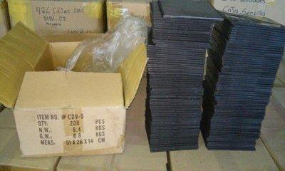 LOTE 516: 115000 ESTUCHES PARA CD MARCA CROWN 11.4 