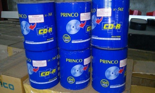 LOTE (677): LOTE DE 21,200 DISCOS CD-R 80 MIN/700 MB MARCA PRINCO