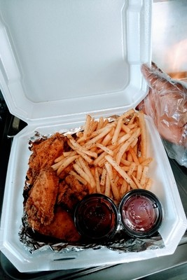 Combo #1 (6 Wings + Fries)