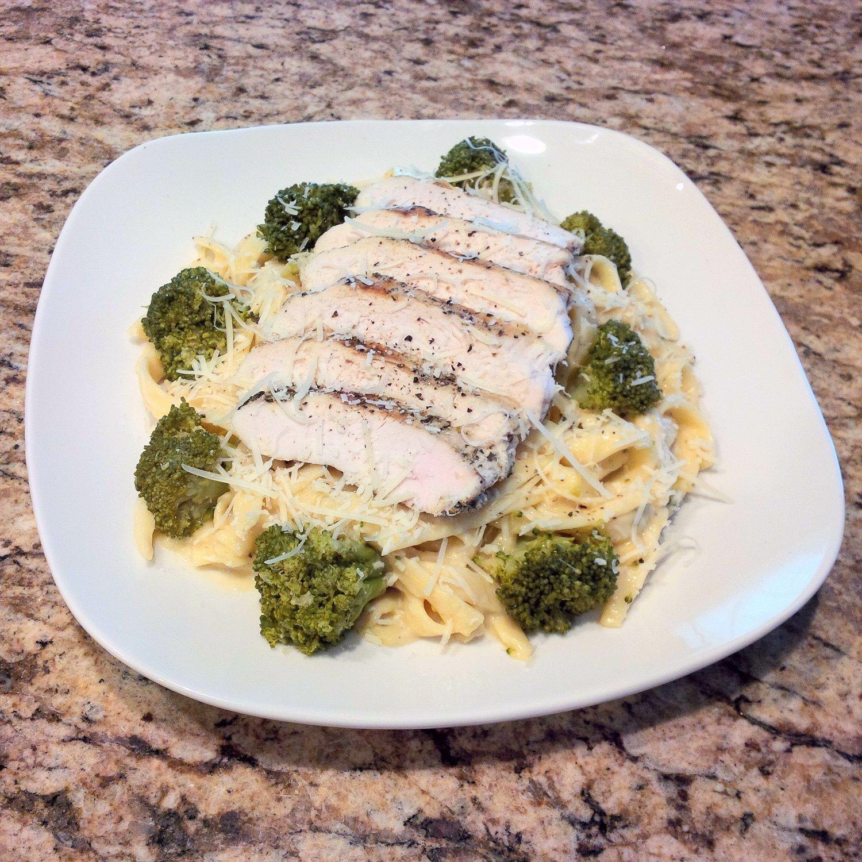 Organic Chicken & Broccoli Fettuccine Alfredo