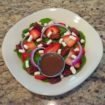 Organic Baby Spinach & Strawberry Salad