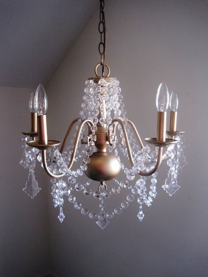 Electric Chandelier The Vintage Glam