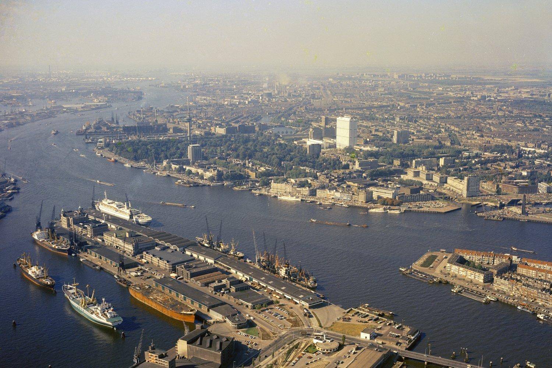 Historisch Rotterdam, luchtfoto Kop van Zuid met Nieuwe Maas1967, Harry Mosch