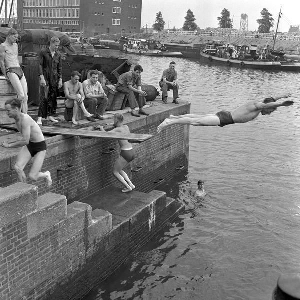 Historisch Rotterdam, Wijnhaven 1957, Vrije Volk