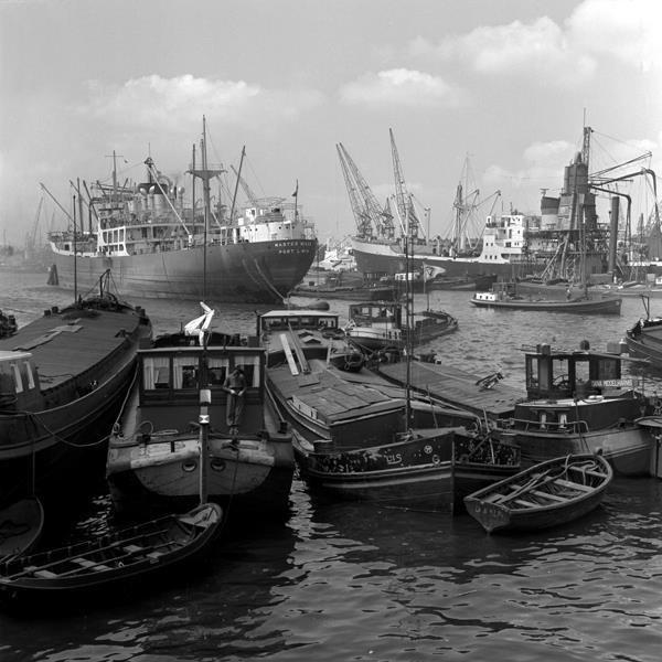 Historisch Rotterdam, Maashaven 1954, Vrije Volk