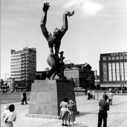 Historisch Rotterdam,  Zadkine, de verwoeste stad, Vrije Volk