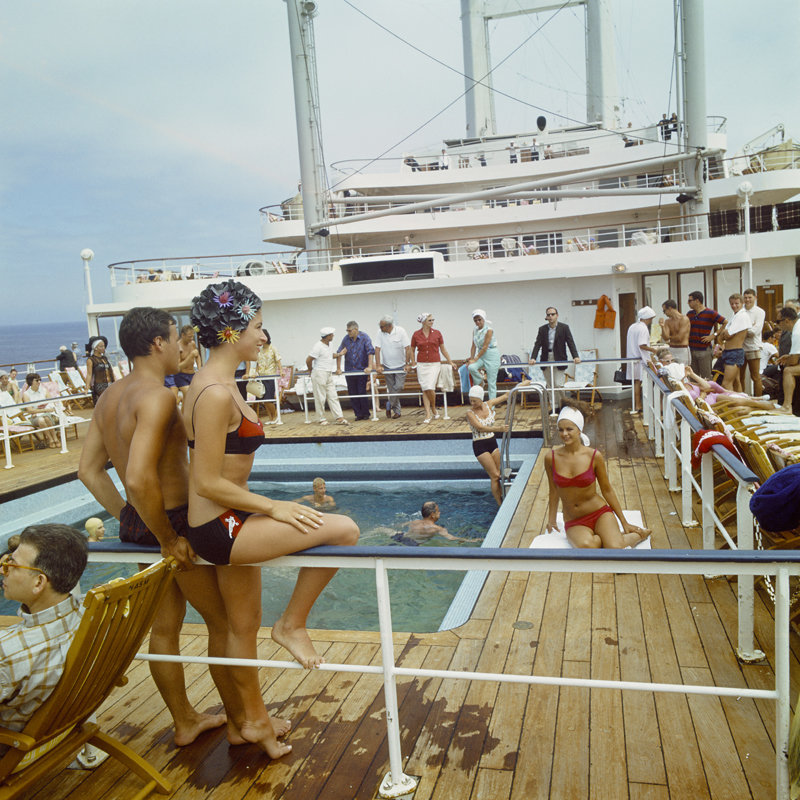 Historisch Rotterdam, zwembad aan boord van het SS Rotterdam 1967, Harry Mosch