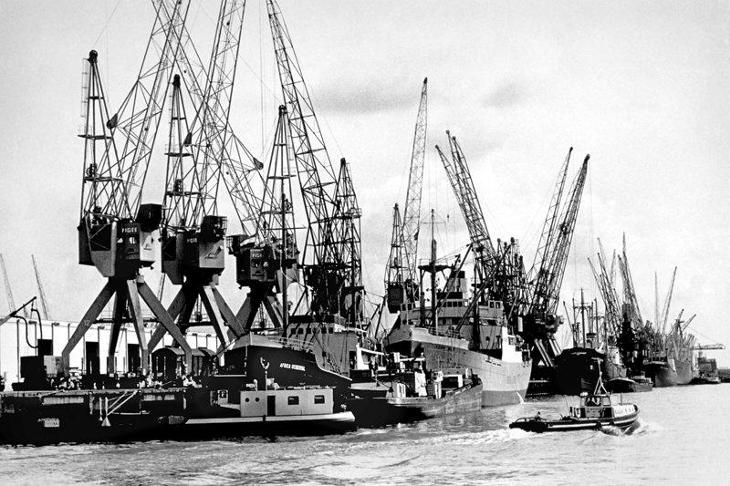 Historisch  Rotterdam, Beatrixhaven 1968, Vrije Volk