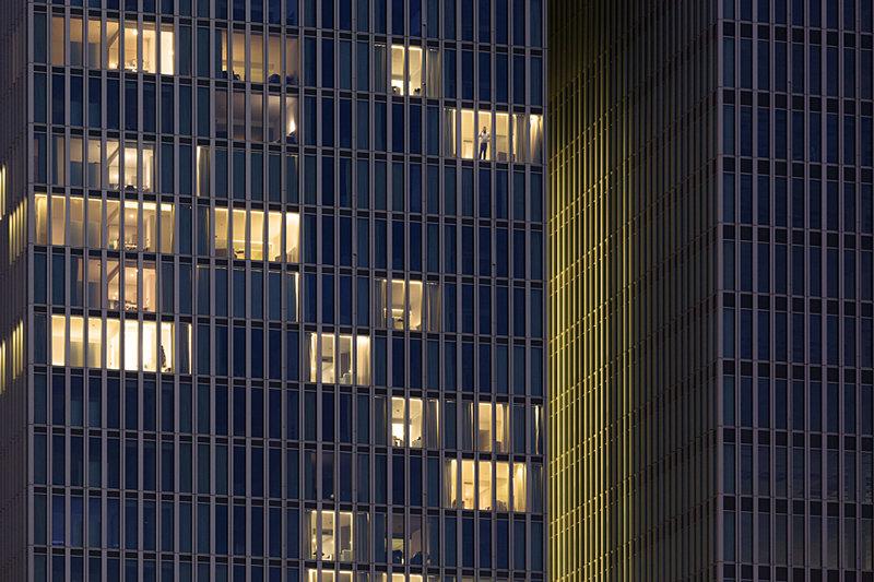 Modern abstract Rotterdam, detail van de ramen van de Rotterdam, Ossip van Duivenbode
