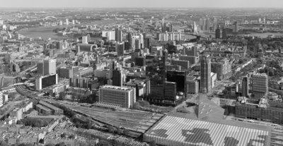 Modern Rotterdam, Luchtfoto 2017,  Ossip van Duivenbode