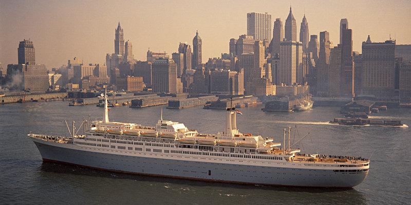 Historisch Rotterdam, SS Rotterdam 1967 voor New York,  Harry Mosch