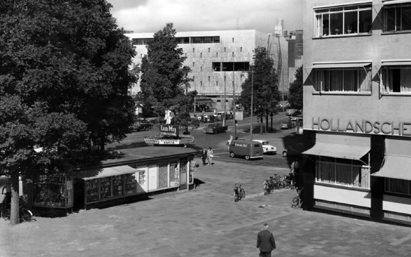 Historisch Rotterdam,  Coolsingel  met de Bijenkorf en HBU gebouw, Jan Roovers
