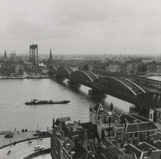 Historisch Rotterdam, Nieuwe Maas met de bruggen, Lex de Herder