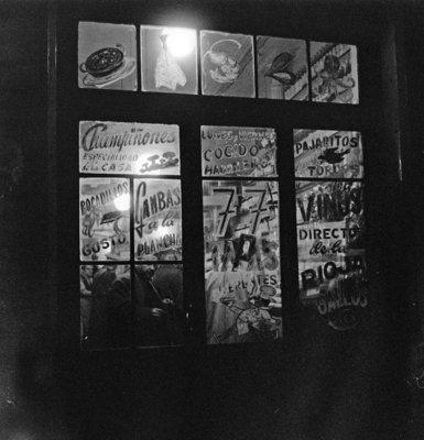 Rest van de wereld, Barcelona , straatbeeld met winkel jaren 50