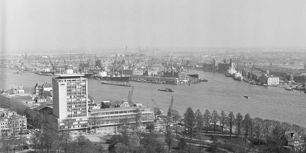 Historisch Rotterdam, Wilhelminapier vanaf de Euromast 1963