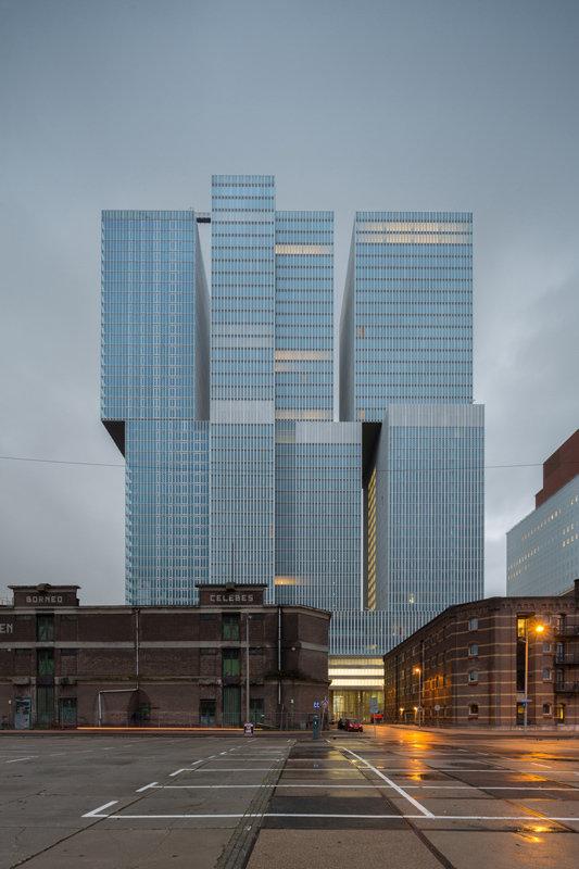 Modern Rotterdam, de Rotterdam, Kop van Zuid met pakhuizen , Ossip van Duivenbode