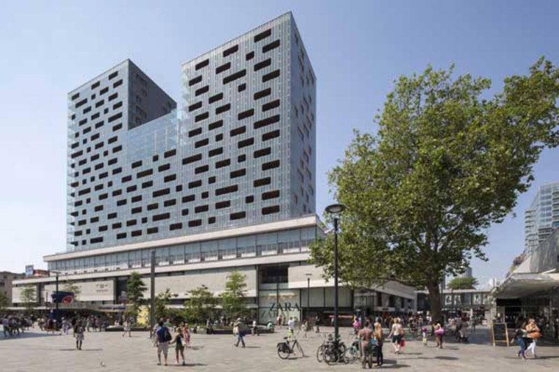 Modern Rotterdam, Binnenwegplein 2017  Ossip van Duivenbode