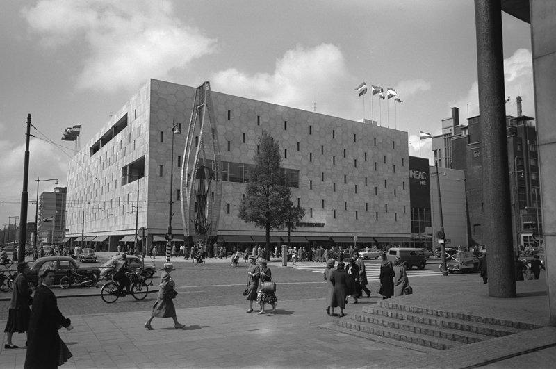 Historisch Rotterdam, Coolsingel met Bijenkorf, 1957: Jan Roovers