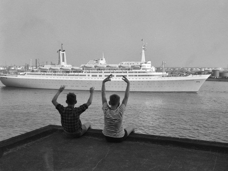 Historisch Rotterdam, SS Rotterdam Wilhelminapier Katendrecht 1959 , fotograaf: Anefo