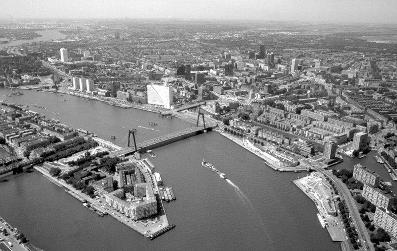 Historisch  Rotterdam, Luchtfoto centrum met bruggen, Stadsarchief Rotterdam