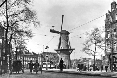 Historisch Rotterdam, Oosplein met molen 1900, Uitgeverij Voet
