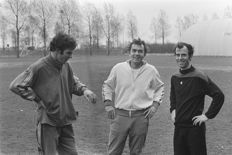 Feyenoord Rotterdam,  Ernst Happel, Willem van Hanegem, Coen Moulijn , fotograaf: Anefo