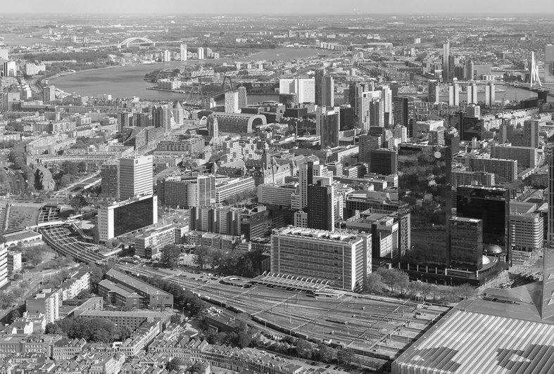 Modern Rotterdam, luchtfoto 2017  Ossip van Duivenbode