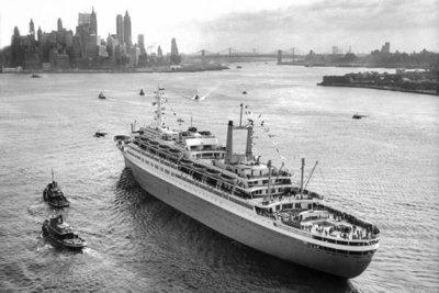 Historisch Rotterdam,  SS Rotterdam in New York 1959 , fotograaf: Anefo