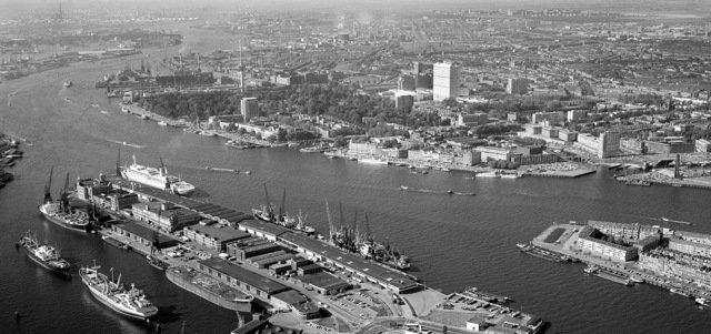 Historisch Rotterdam, panorama rotterdam met kop van zuid, 1967,  Harry Mosch