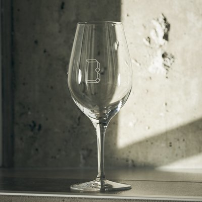 Wine glass/Verre à vin