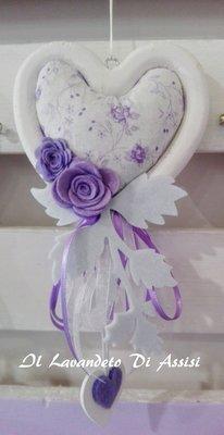 Cuore lavanda, con contorno in legno bianco, lavanda e decorazioni in feltro