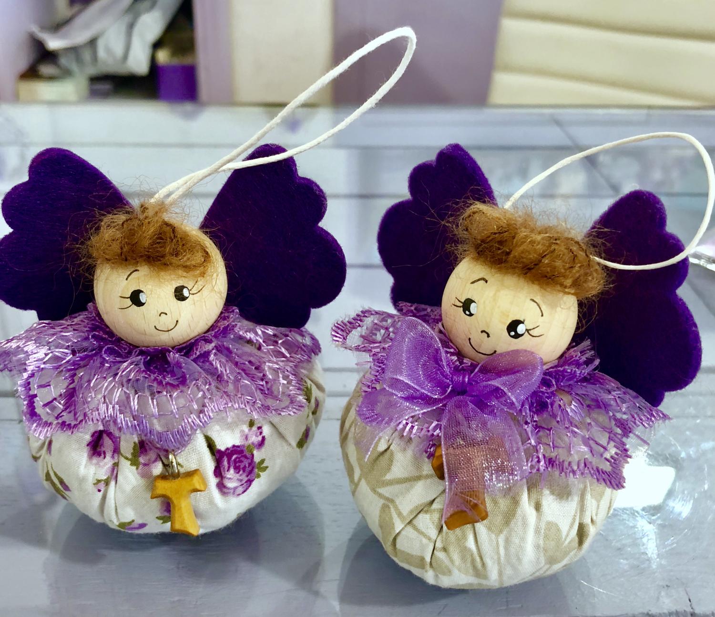 Angelo a pallina, ripieni di lavanda e dipinto, con sorriso ali viola (Cad)