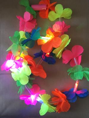 Collar hawaiano con LED