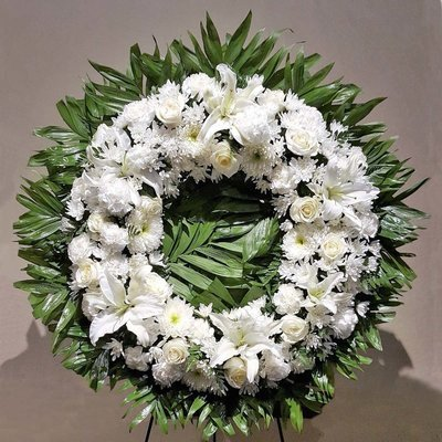 Wonderful in White Wreath