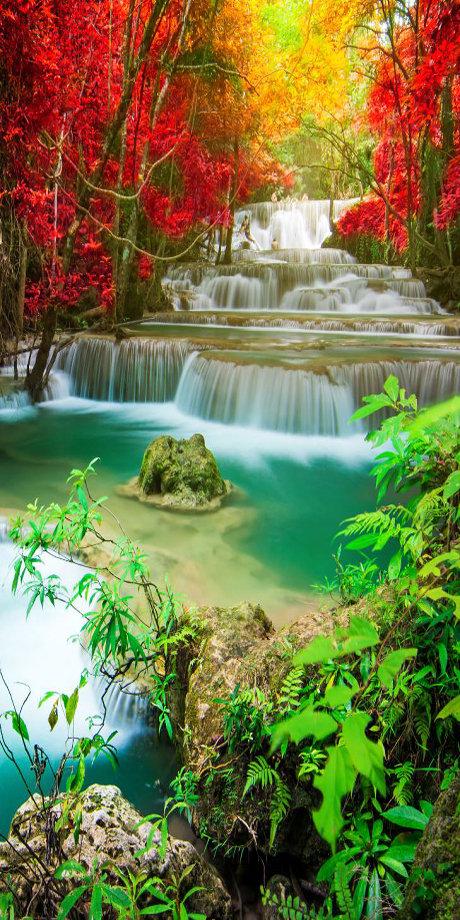 Motiv Wasserfall im Herbst