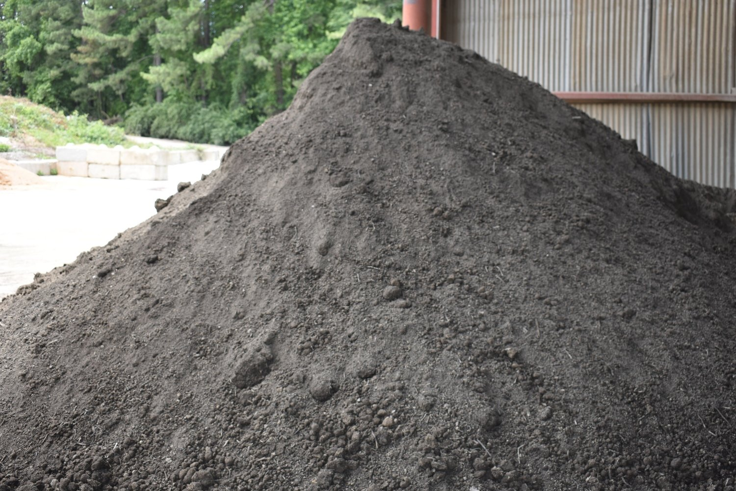 50/50 Soil Blend (See detailed description before Pick Up or Delivery)  (WHEN AVAILABLE)