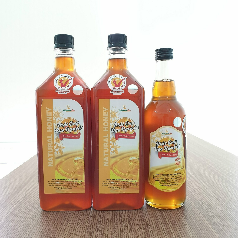 Mua 2 lít mật ong tặng 1 chai 500ml