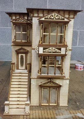 Lisa San Francisco Painted Lady 1 24 Scale Dollhouse