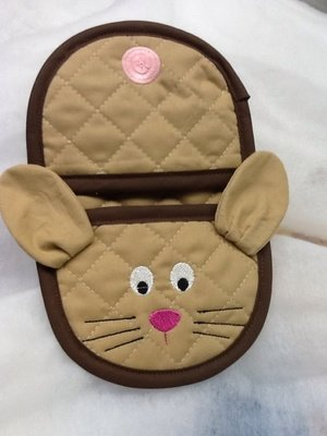 embroidery in the hoop bunny oven mitt