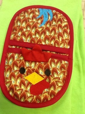 embroidery in the hoop rooster oven mitt